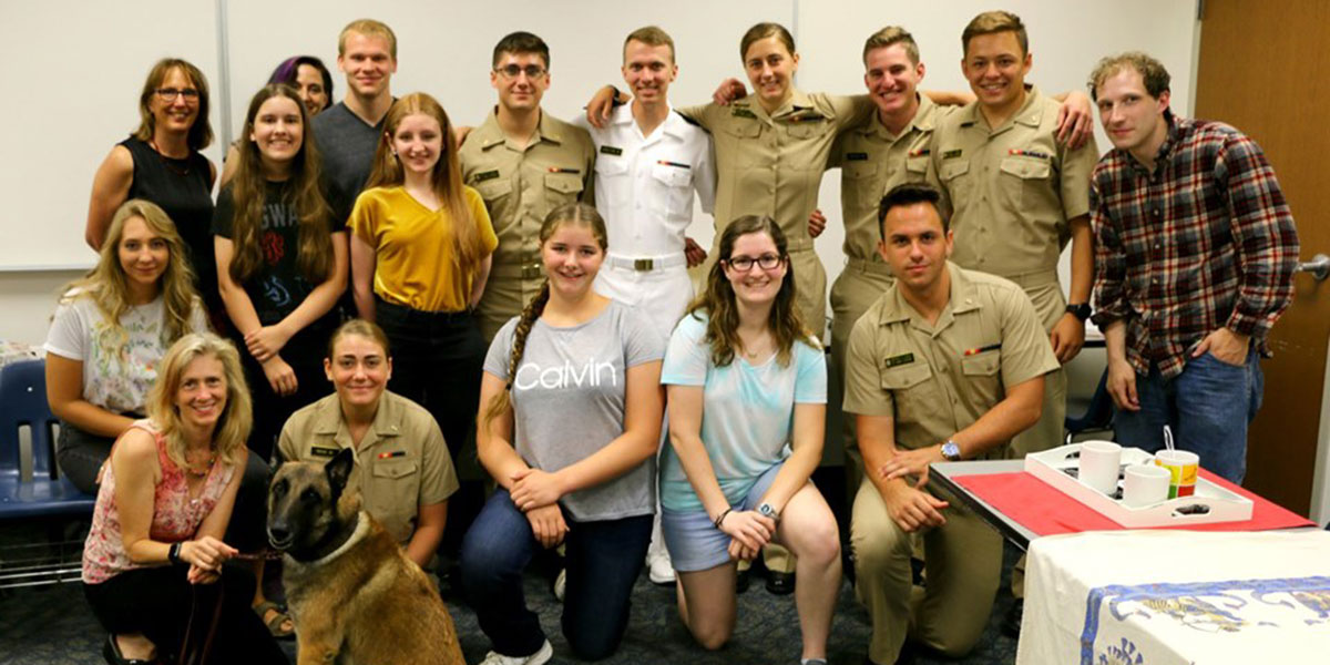 Midshipmen and AACC students in Russian language course.